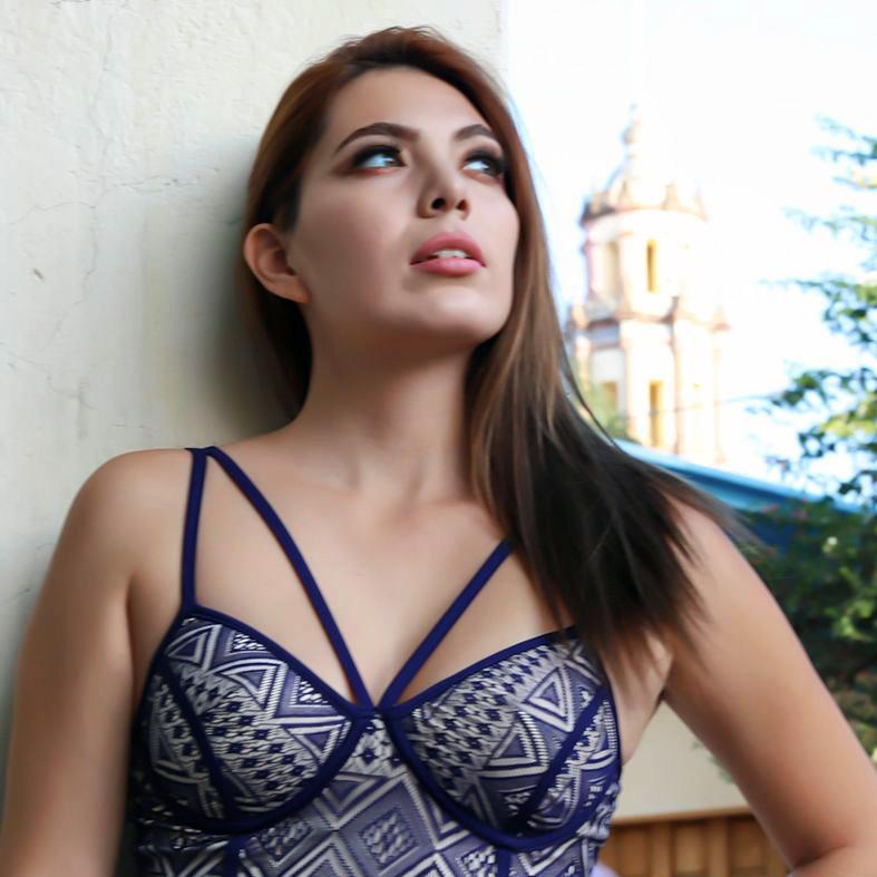 Edecan y modelo Agencia Aj Modelos Querétaro